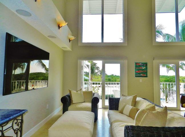 Key Largo Real Estate Lifestyle Photo 01